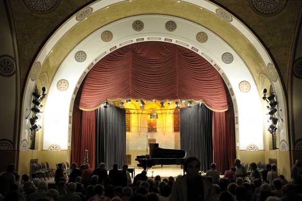 Salle de concert de la Maison internationale YMCA (UCJG)